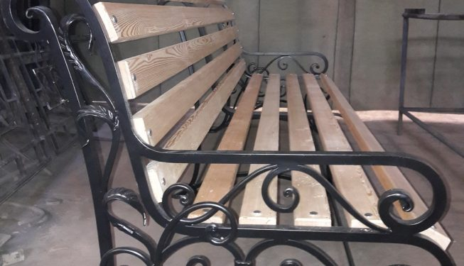 Кованая скамья