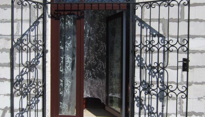 Рапашная двустворчатая дверь